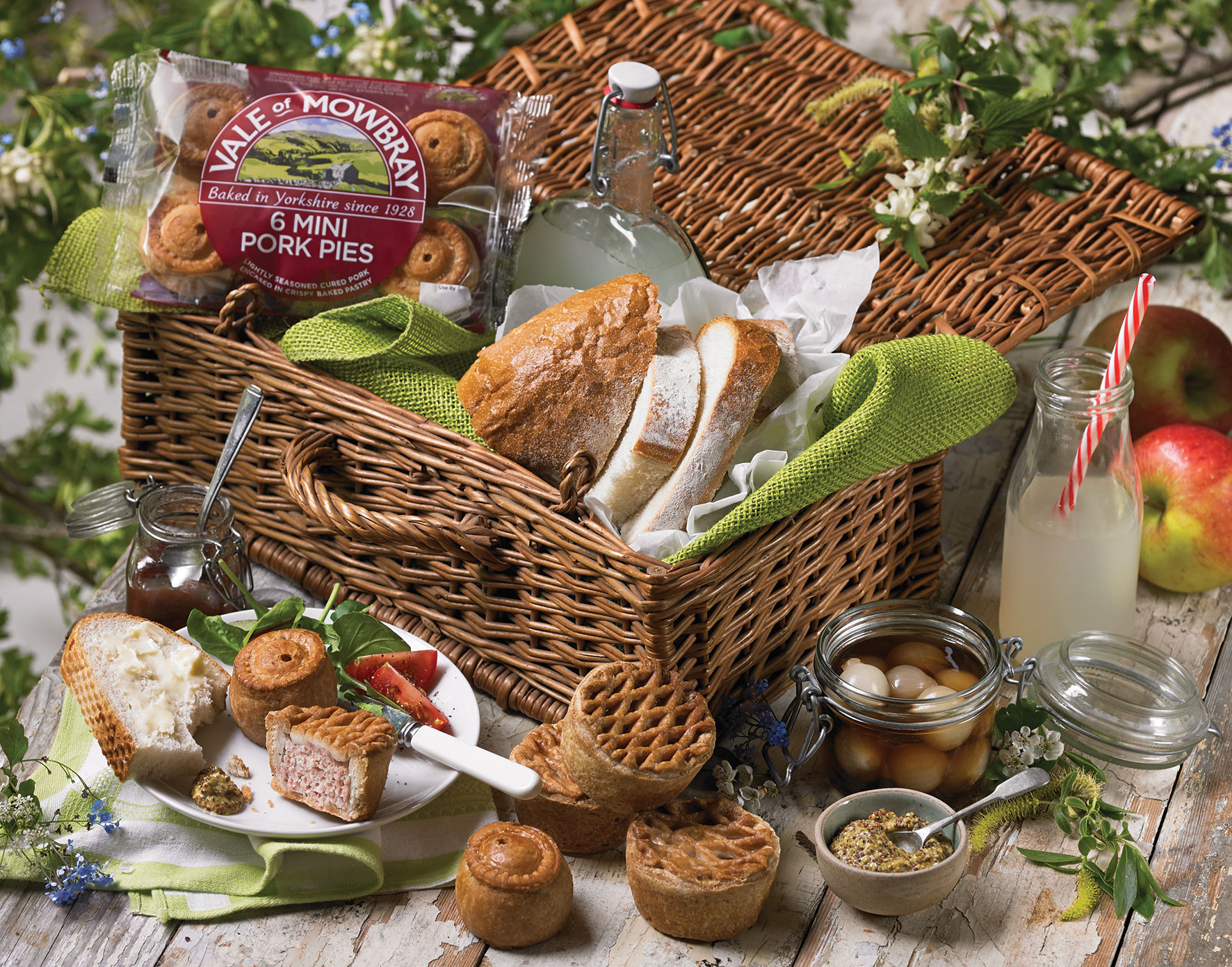 Our top picnic foods from yorkshire producers vale of for Picnic food ideas for large groups