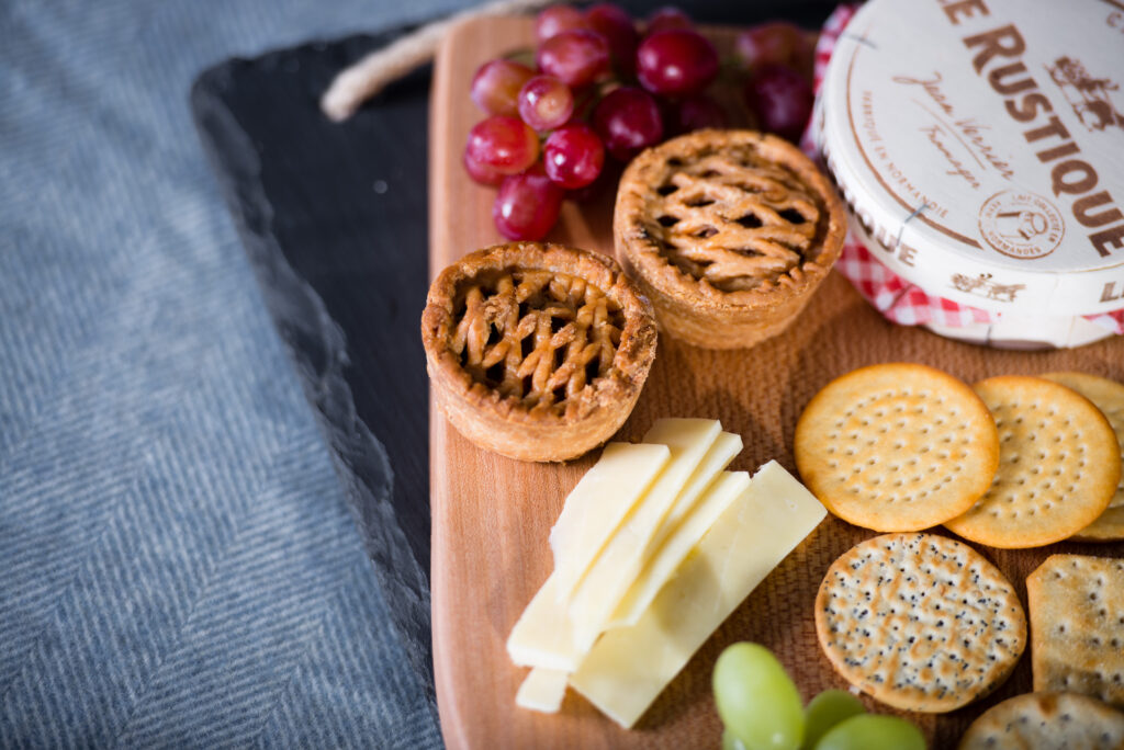 How to create the ultimate cheeseboard